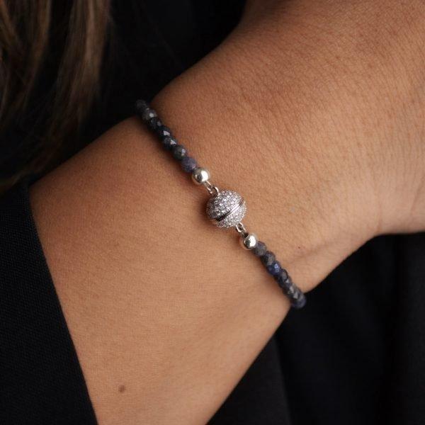 Jolie Bracelet: Vibrant Faceted Sapphire Stones with Faceted Closure
